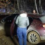 ŠALJITE POMOĆ! Navigacija prevarila Ruskinje, završile zaglavljene usred šume u Srbiji, Ivanjičani im pritekli u pomoć VIDEO