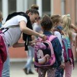 BESPLATNI UDŽBENICI ZA SVE OD IDUĆE GODINE U Modriči podeljena pomoć deci ratnih vojnih invalida i umrlih boraca