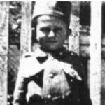 """NAJMLAĐI SRPSKI JUNAK Momčilu su Nemci ubili celu porodicu, kad je video majora Tucovića obgrlio mu čizme i zajecao: """"Čiko, sve su mi ubili…""""."""