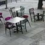 STRAVIČAN UDES U BEOGRADU Vozač u punoj brzini izleteo iz raskrsnice i udario u zgradu ( (VIDEO)